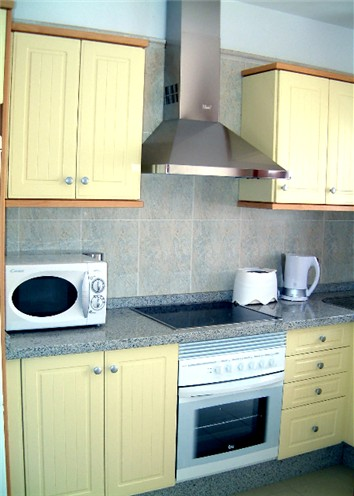 Oven, Hob, Extractor - All Mod Cons