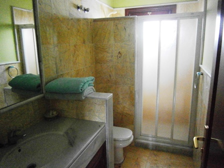 Shower Room opposite Twin Bedroom