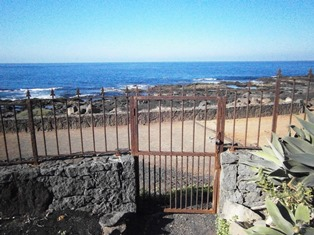 Garden access onto coastal promenade